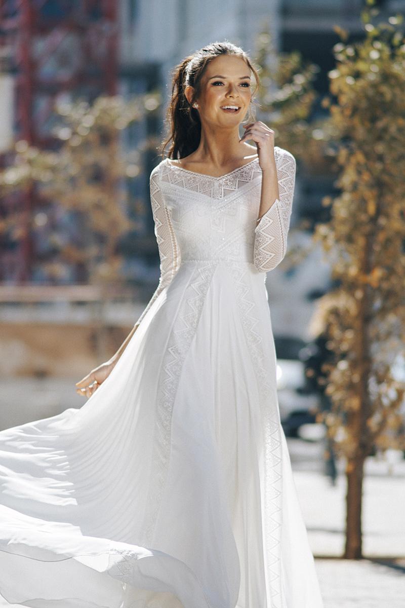הדס מנור - עיצוב שמלות כלה